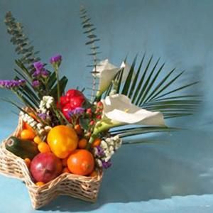 Корзина с цветами и фруктами: «Яркая звезда»