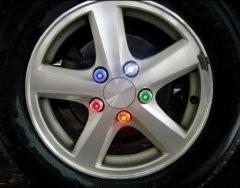 Светодиодные колпачки на гайки колес
