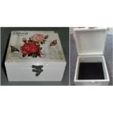 Шкатулка для ювелирных украшений с розами