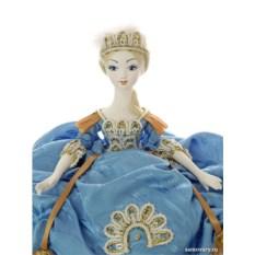 Кукла на чайник Елизавета в голубом
