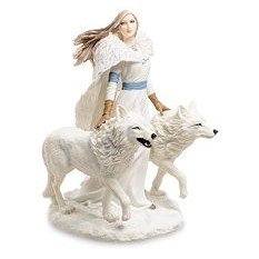 Статуэтка Девушка и волки. Зимние стражи