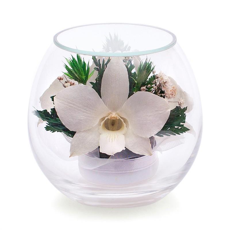 Цветочная композиция из белых орхидей