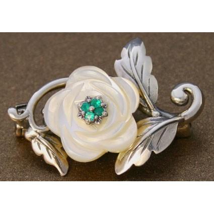 Серебряная брошь с перламутром «Цветущая роза»