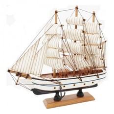 Модель парусного корабля Бригантина
