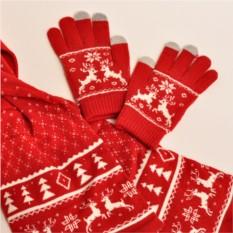 Комплект из перчаток и шарфа Белый олень