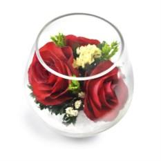Композиция из красных роз в подарочной упаковке