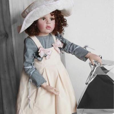 Кукла Emilia