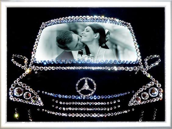 Фоторамка с кристаллами Swarovski В машине