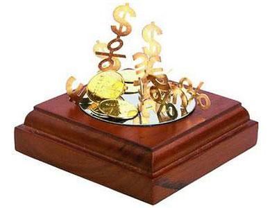 Денежная скульптура «Эстетика финансов»