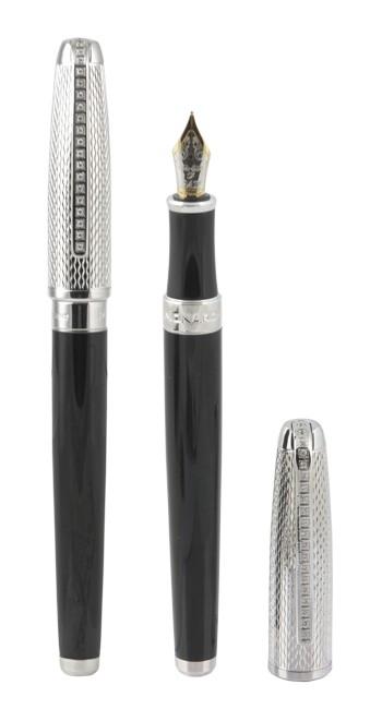 Чёрная лакированая перьевая ручка PAX