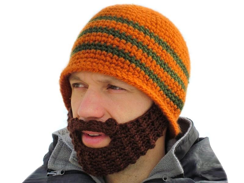Шапка с бородой микс