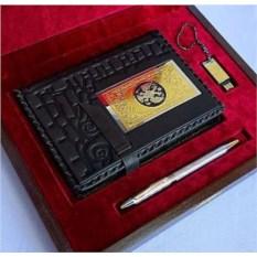 Набор «Кожаный ежедневник, ручка и флешка»