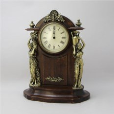Классические настольные часы