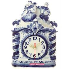 Часы  Гжель с художественной росписью Свидание