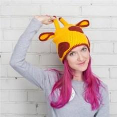 Вязаная шапка Жираф