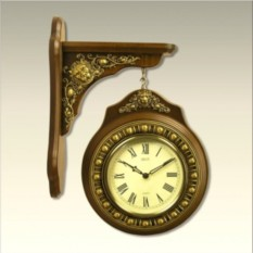 Уличные часы Лион