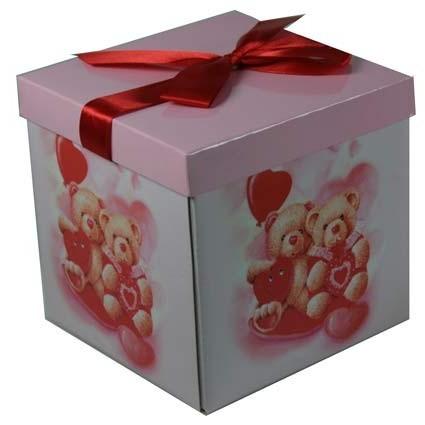 Коробка подарочная средняя