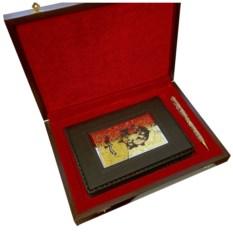 Набор в деревянной коробке Ежедневник и украшенная ручка