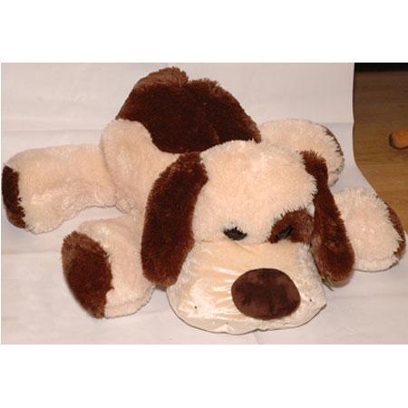 Собака кремовая лежачая