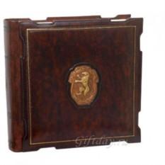 Кожаный фотоальбом с барельефом Герб со львом