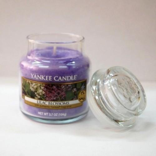 Свеча в стакане «Цветение сирени» Yankee Candle