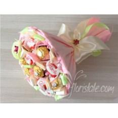 Розовый букет из конфет Микс 17 с орхидеей