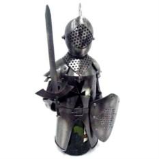 Подставка для бутылки Рыцарь с мечом.
