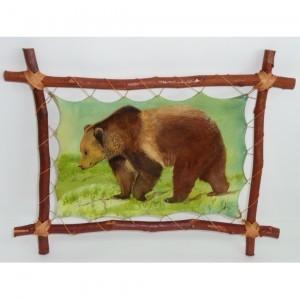 Картина на коже Медведь весной