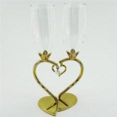 Свадебные бокалы с подвеской в виде сердца