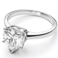 Помолвочное кольцо с муассанитом огранки Сердце Fran