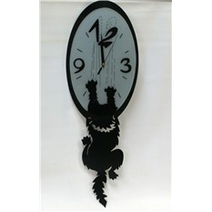Оригинальные настенные часы Наглая кошка.