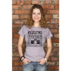 Серая женская именная футболка Фотографу