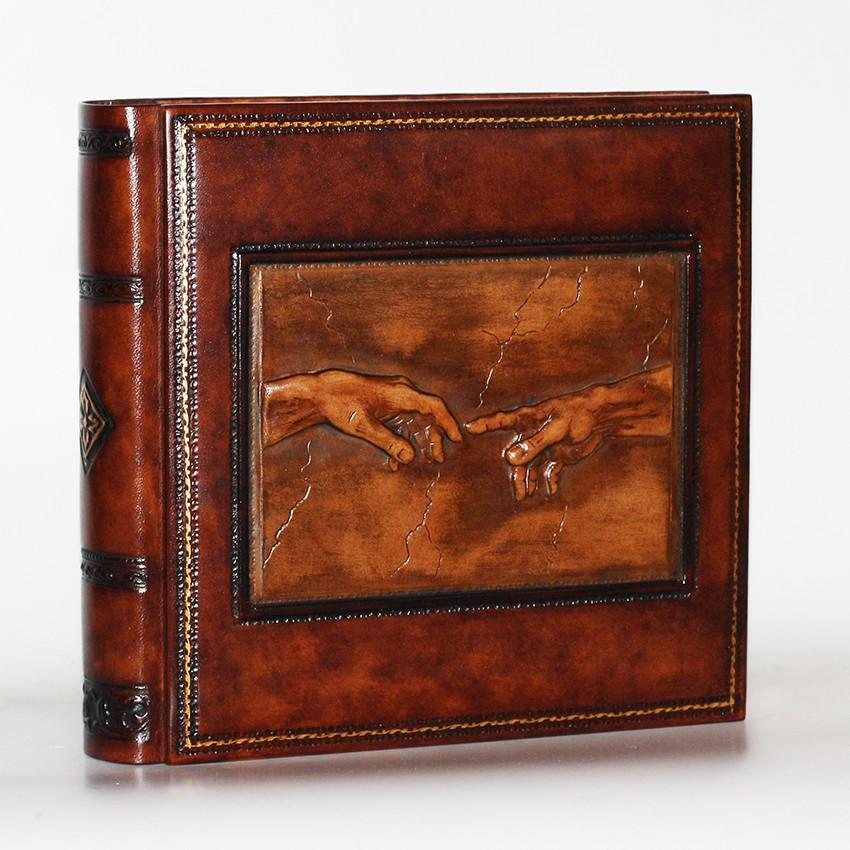 Фотоальбом из натуральной кожи Сотворение