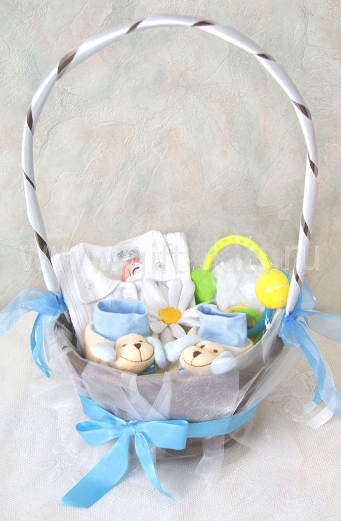 Подарочная корзина для новорожденного