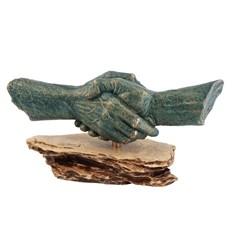 Скульптурная группа Рукопожатие