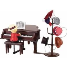 Музыкальная композиция Медведь за роялем