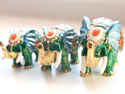 Шкатулка со стразами Три слона, зеленая