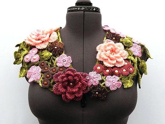 Вязаный шарф Вишни, розы и шоколад