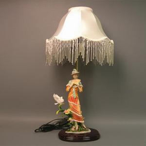 Светильник «Дама»