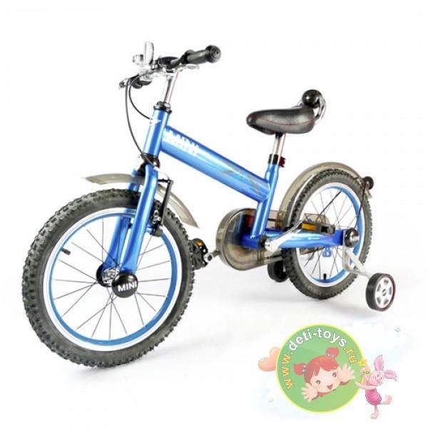 Детский синий двухколесный велосипед