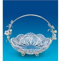 Конфетница с декором в виде серебряных цветов и кристаллов