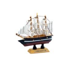 Модель корабля (11*10см)