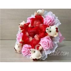 Букет с сердцем и мягкими мишками Любовь