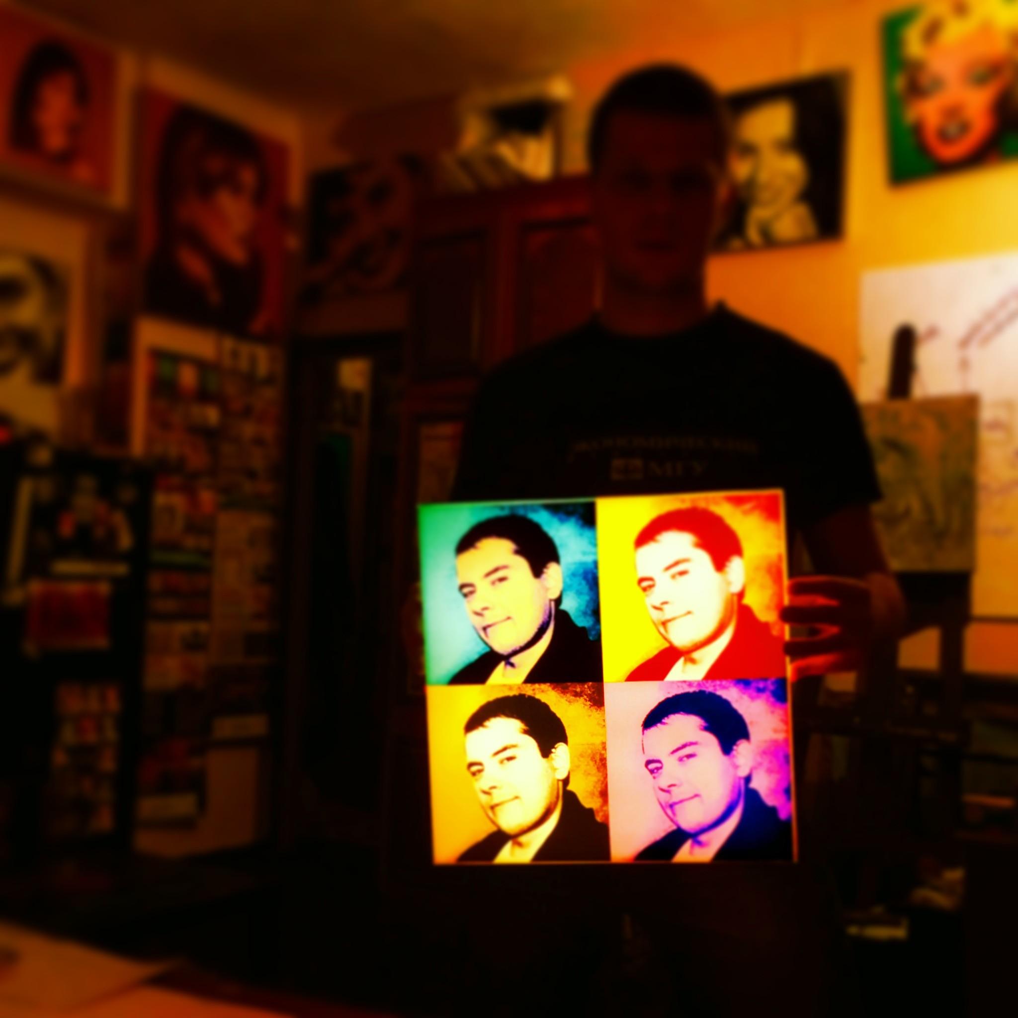 Поп-арт портрет с фотографией на дизайнерском 3D светильнике