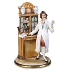 Фарфоровая скульптура Фармацевт