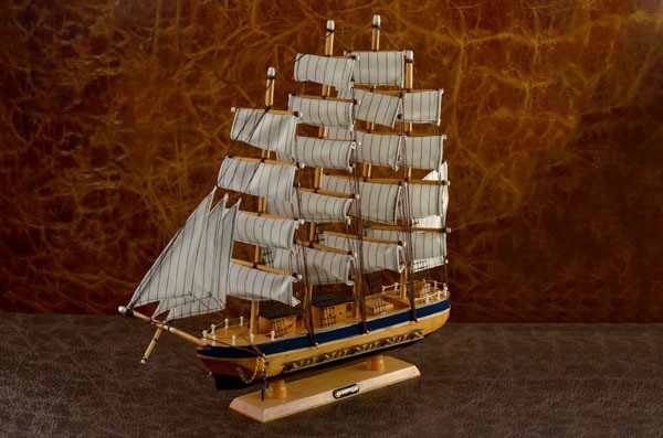 Сувенирный парусный четырехмачтовый корабль Барк (тип 1)