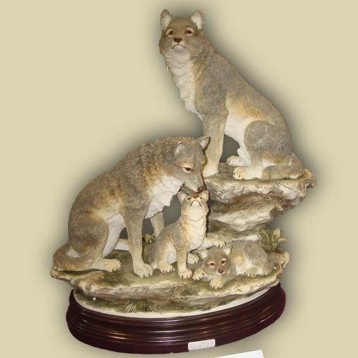 Статуэтка «Семья волков»
