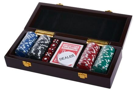 Набор для покера: 100 фишек, 1 колода карт