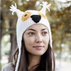Вязаная шапка Белая сова