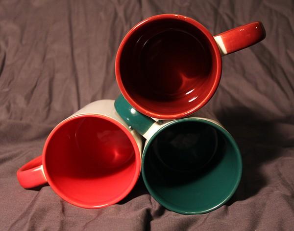 Кружка цветная изнутри и с рисунком на выбор